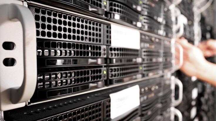 server webhostingu